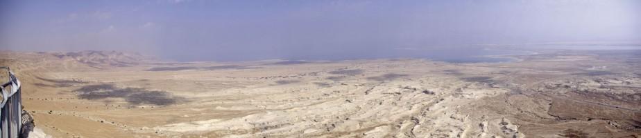 Vue de la mer Morte depuis la citadelle de Massada. Cliché B. Werner, 2008