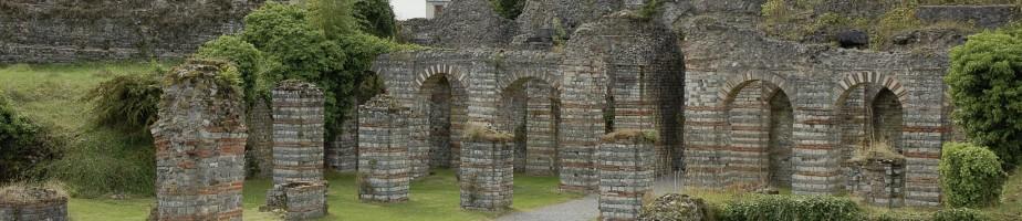Bavay. Les cryptoportiques, vestiges du deuxième forum de la cité gallo-romaine. Cliché Chr. Louvion.