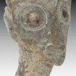 Ville Basse, sondage H, tête royale miniature en terre cuite, les yeux étaient incrustés. Cliché G. Naessens. Archéologues D. Parayre et I. Shaddoud.