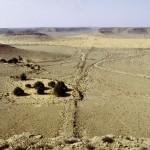 Ouvrages de terre et porte contrôlant la passe de Skiffa dans le sud de la Tunisie.