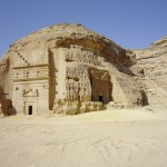 Le tombeau IGN 100, l'un des plus élaboré du site de Hégra. © Musée du Louvre.