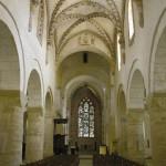 L'abbatiale de Romainmôtier (canton de Vaud, Suisse). Vue de la nef centrale. Cliché A. Gaillard, 2004.