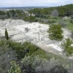 Édifices publics, maisons et thermes de la partie fouillé de Glanum, vue du sud-ouest. Photo F. Rossi.