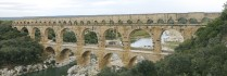 Le pont du Gard.bâti dans la première moitié du Ier siècle ap. J.-C., et semble être resté en service jusqu'au VIe siècle de notre ère. Cliché Armin Kübelbeck, 2008. Wikimedia Commons.