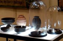 Scénographie de l'exposition d'archéologie « Eléments Terre », au Musée Historique Saint-Remi de Reims. © Jean-Christophe Hanché.