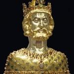 Reliquaire de Charlemagne conservé dans le trésor de la cathédrale d'Aix-la-Chapelle. XIVe siècle. Photo Beckstet, 2011. Wikimedia Commons.
