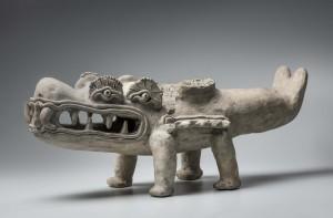 Caïman mythique avec quatre yeux. Culture de La Tolita (- 400 av. J.C. – 400 ap. J.C). © musée du quai Branly, Christophe Hirtz – Equateur.