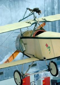 """Le Nieuport XI """"Bébé"""" est le principal avion utilisé par les unités  de chasse françaises à Verdun. L'exemplaire du musée est repeint aux couleurs de l'avion du commandant de Rose.  © Musée de l'Air et de l'Espace / A. Fernandes."""