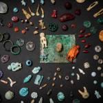 Dans une maison de la Regio V, les archéologues ont découvert les restes d'une boite en bois contenant de nombreux objets. © Parco Archeologico di Pompei.