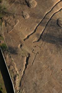 Enceinte néolithique à double fossés avec son entrée, à Saint- Gervais (Vendée), 2007 © Hervé Paitier, Inrap. Photo de presse.